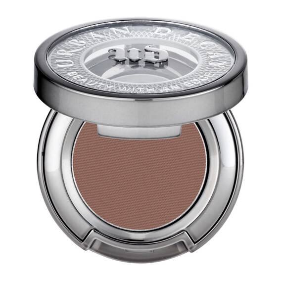 Eyeshadow in color Buck