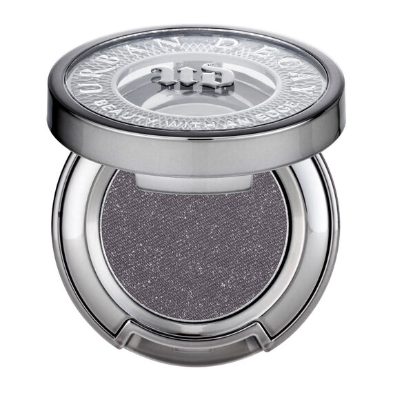 Eyeshadow in color Gunmetal