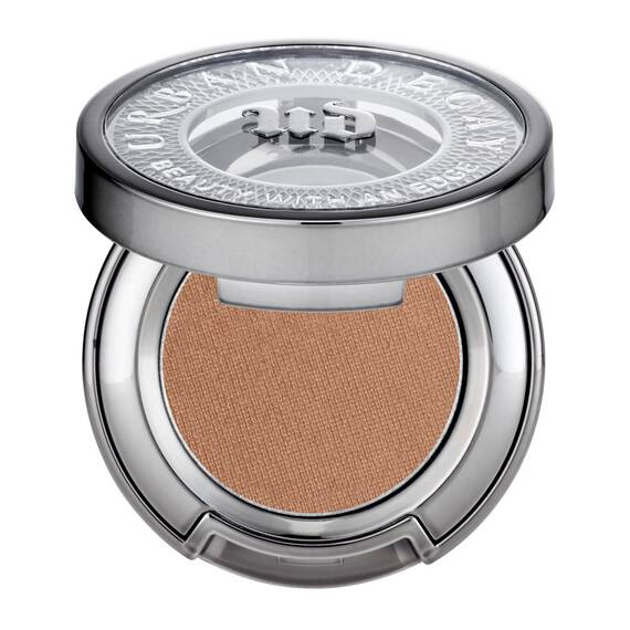 Eyeshadow in color Chase