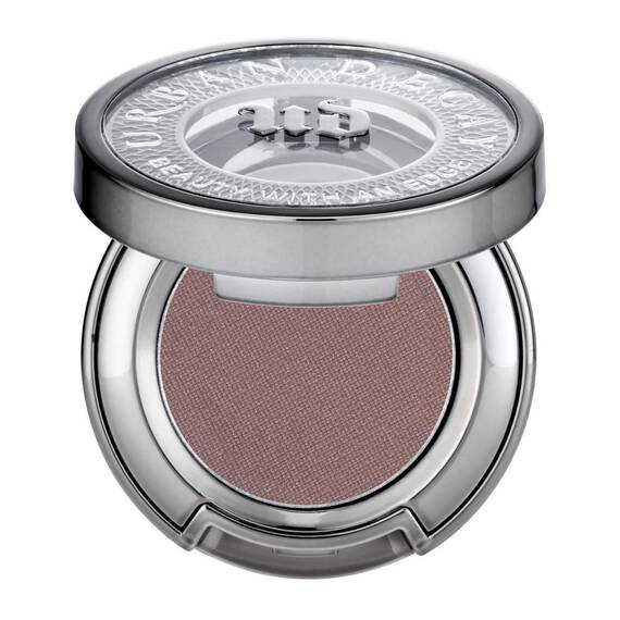 Eyeshadow in color Bust